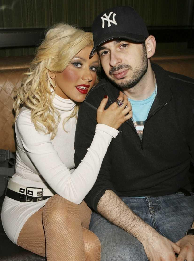 Här är sångerskan Christina Aguilera tillsammans med maken Jordan Bratman. Bilderna på parets första barn, Max, prydde omslaget på People magazine i februari 2008. Bilderna rapporteras ha kostat tidningen över 10 miljoner.