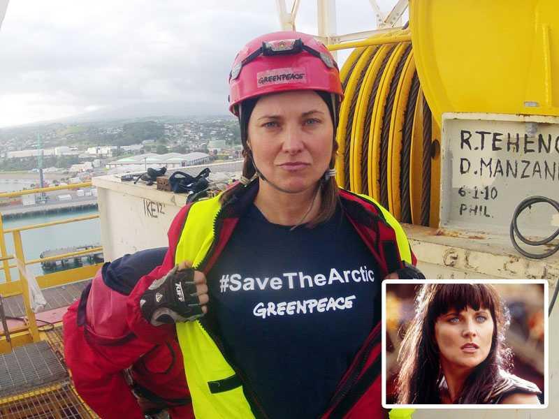 Skådespelaren Lucy Lawless under Greenpeaceaktionen mot ett Shell-kontrakterat borrskepp i fredags.