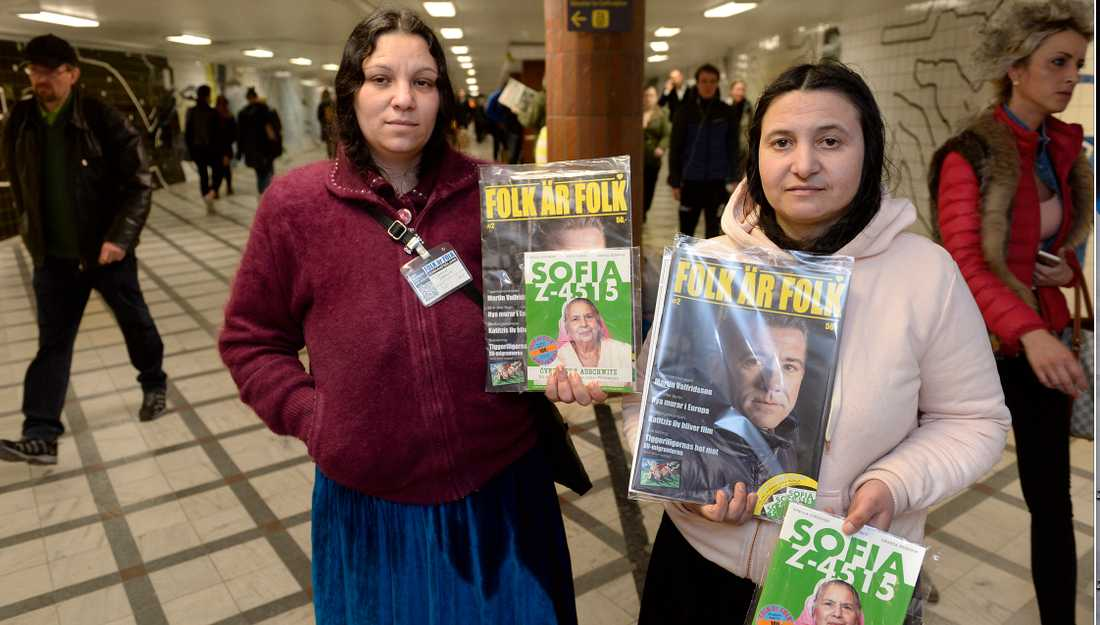 EU-migranterna Sofica, 32, och Maria, 35, sålde under onsdagen sina tidningar vid Stockholms central och de båda uppger att pengarna i så stor utsträckning som möjligt går till barnen.