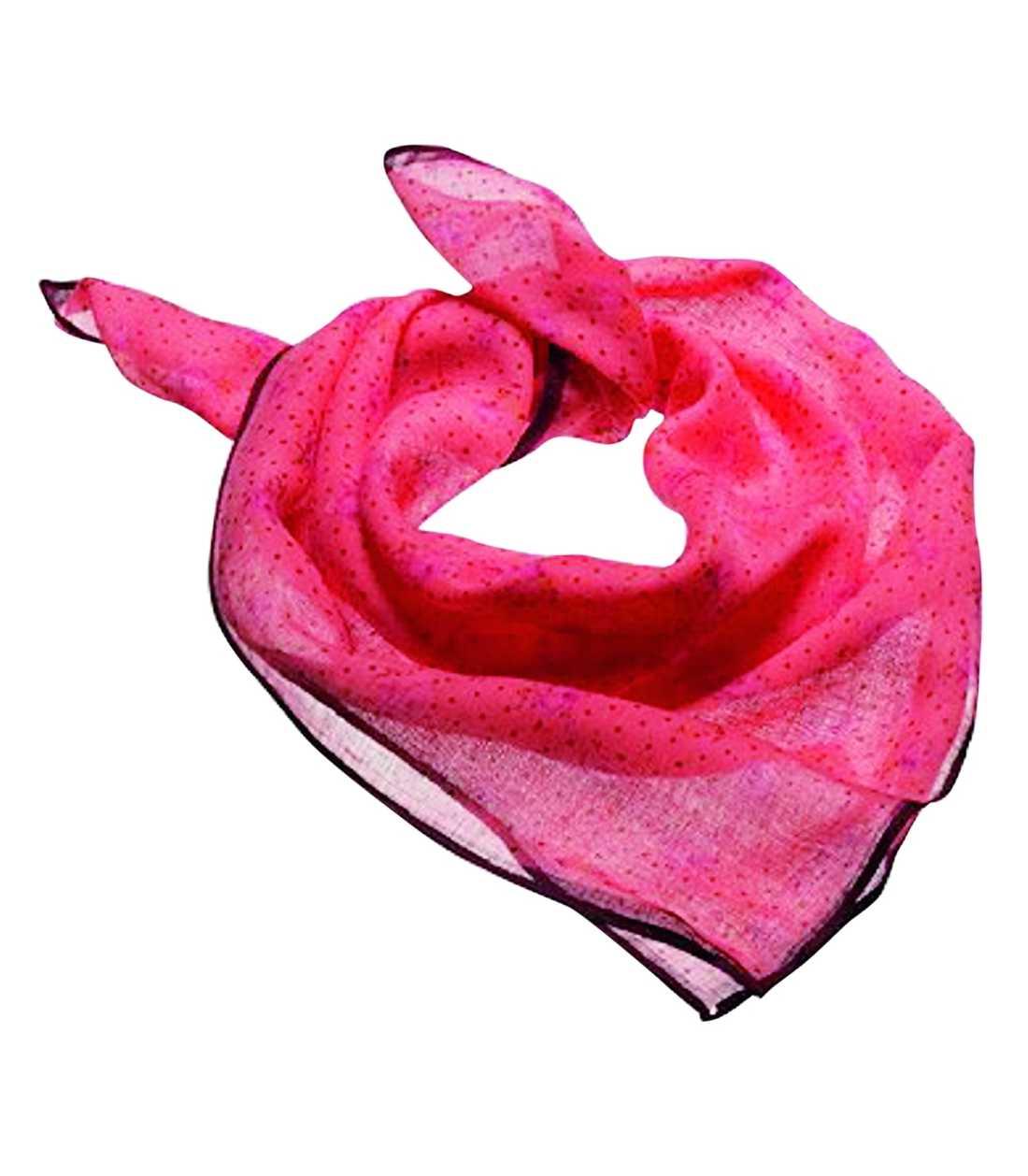 Knyt en blekröd sjalett runt halsen för en glammig retrolook. Kostar 39,50 kronor på www.hm.com