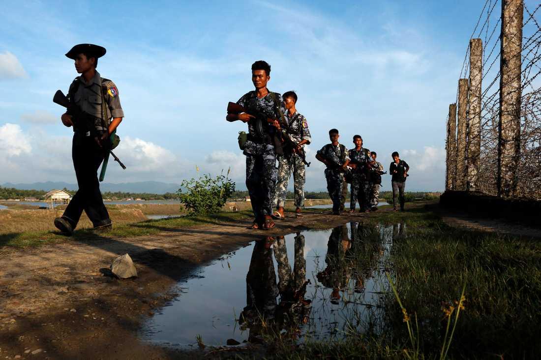 Burmesiska myndigheter anklagas för att bedriva etnisk rensning mot den muslimska minoriteten rohingya i delstaten Rakhine. Bilden är från gränsen Burma-Bangladesh förra året.