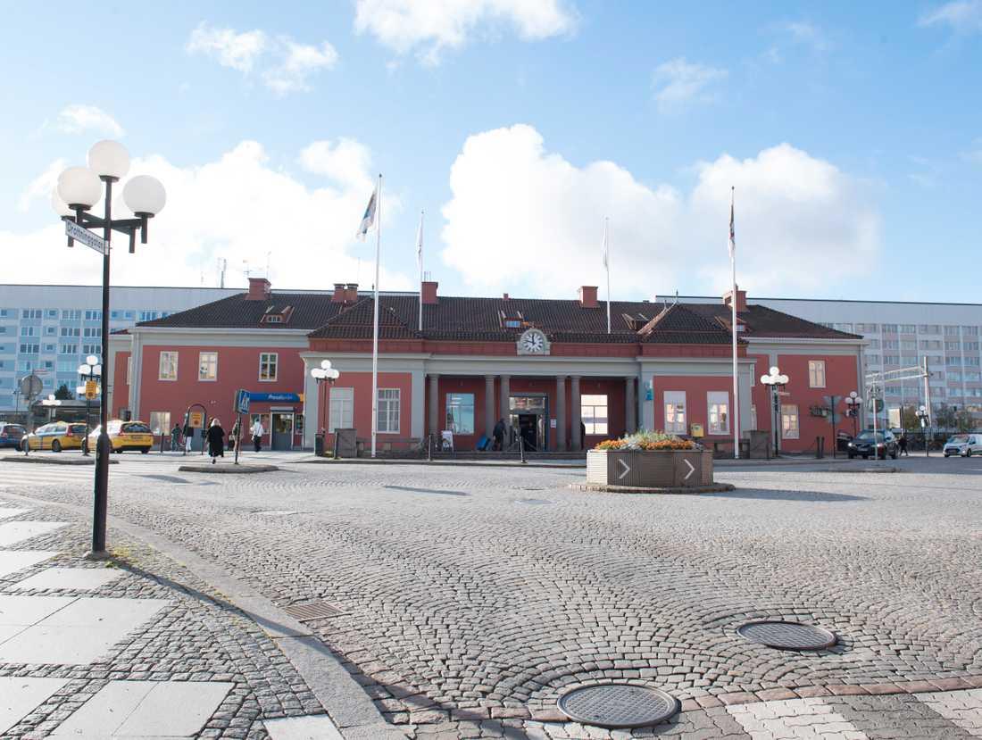 Järnvägsstationen i Eskilstuna. Regionaltågen är en kroppspulsåder som går där, enligt kommunstyrelseordföranden. Arkivbild.