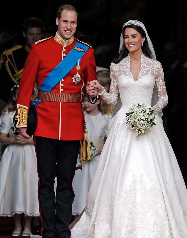 """fa55e6ef0209 Kate Middleton – 5 plus Pamela: """"Den här skapelsen av Sarah Burton för  Alexander"""