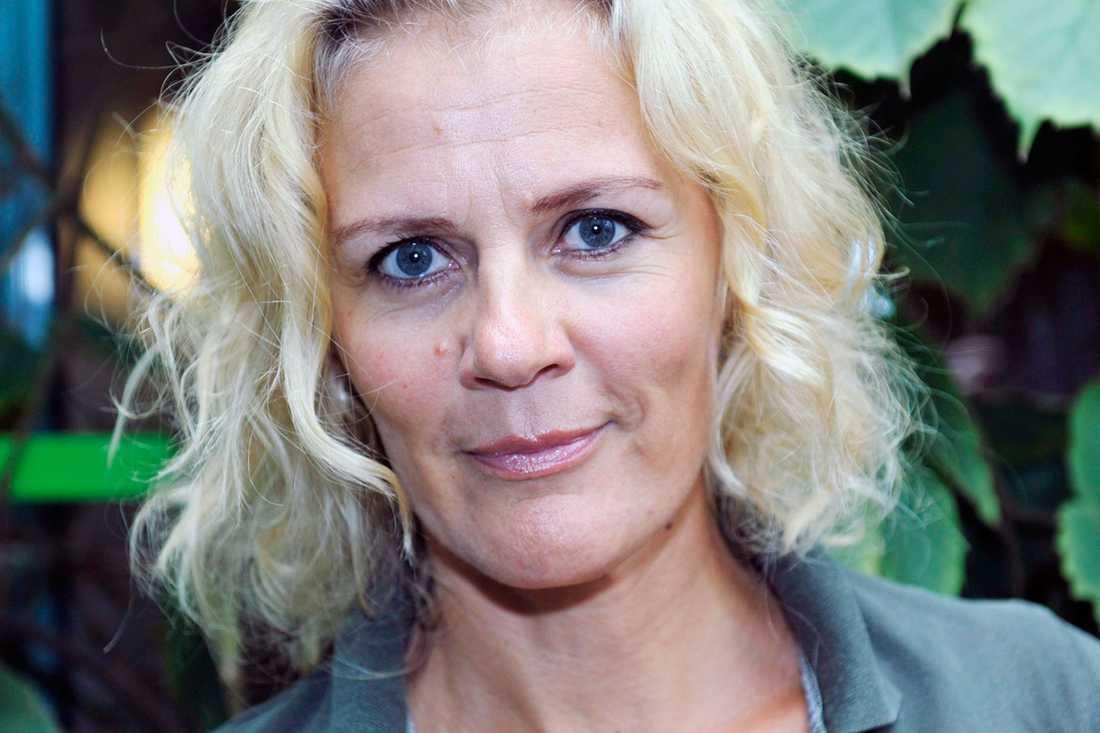 FÅR DÖDSHOT Bettina Sågbom är en av de finländska journalister som mordhotats för att de försvarar svenska språket i Finland