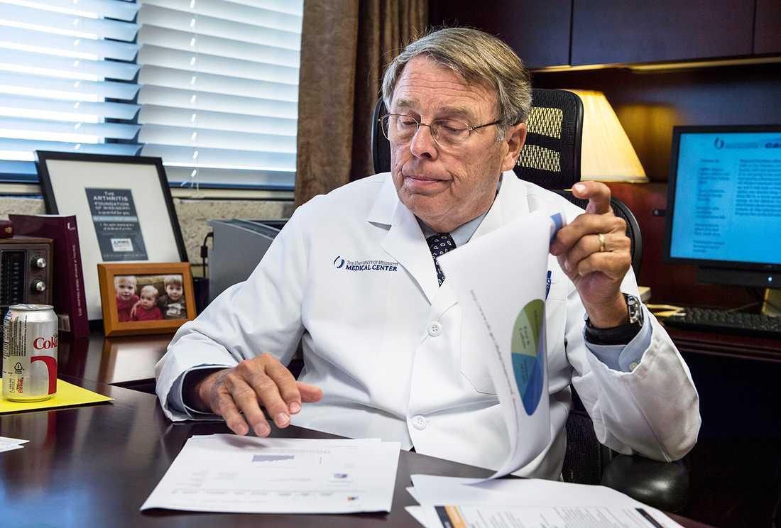 """""""70 procent väger för mycket""""  Professor Rick deShazo insåg redan för tio år sedan att fetmaepidemin var utom kontroll."""