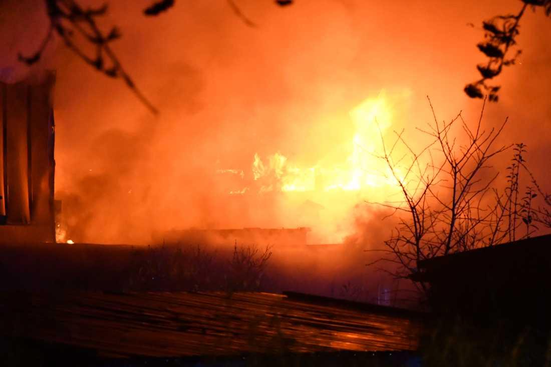 Elden spred sig snabbt i förskolebyggnaden på Snödroppsgatan i Malmö.