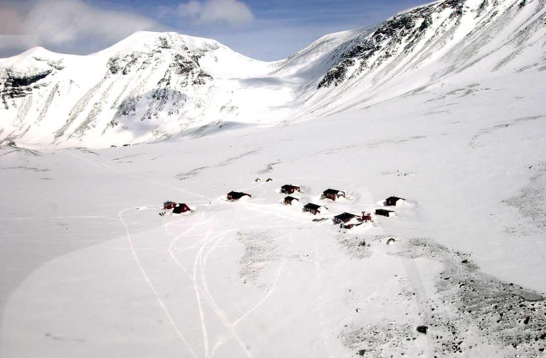 Tarfala fjällstation sett ovanifrån, bilden är tagen en annan vinter, Arkivbild.