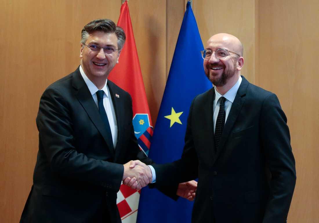 Kroatiens premiärminister Andrej Plenkovic (till vänster) tillsammans med EU:s nye permanente rådsordförande Charles Michel. Arkivfoto.