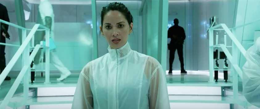 """Olivia Munn har en stor roll i """"The predator""""."""