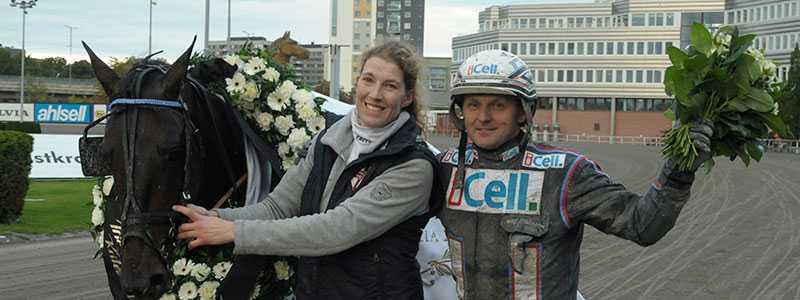 GRATTIS! Ulf Ohlsson och Anna Forssell tog hem Svenskt Travkriterium