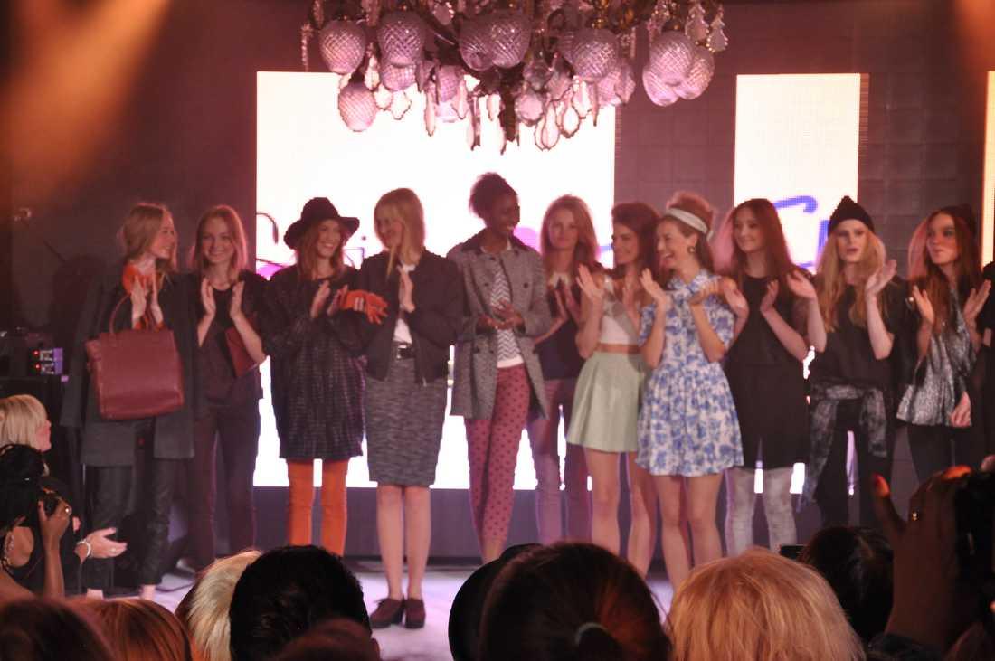 Alla modeller på scen. Tack för en toppenshow!