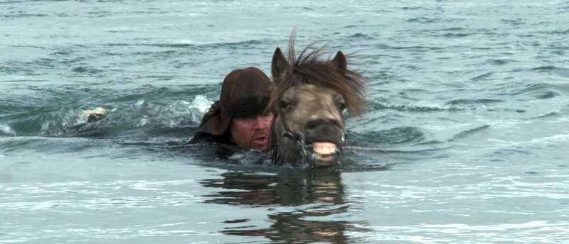 Man + häst. Foto: movieboosters