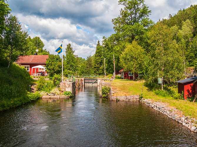 Dalslands kanal anses vara en av de vackraste vattenvägarna i Europa.