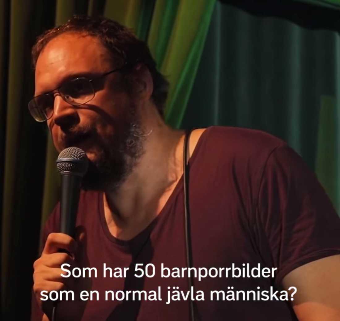 """Jonatan Unge i """"Släng dig i brunnen""""."""