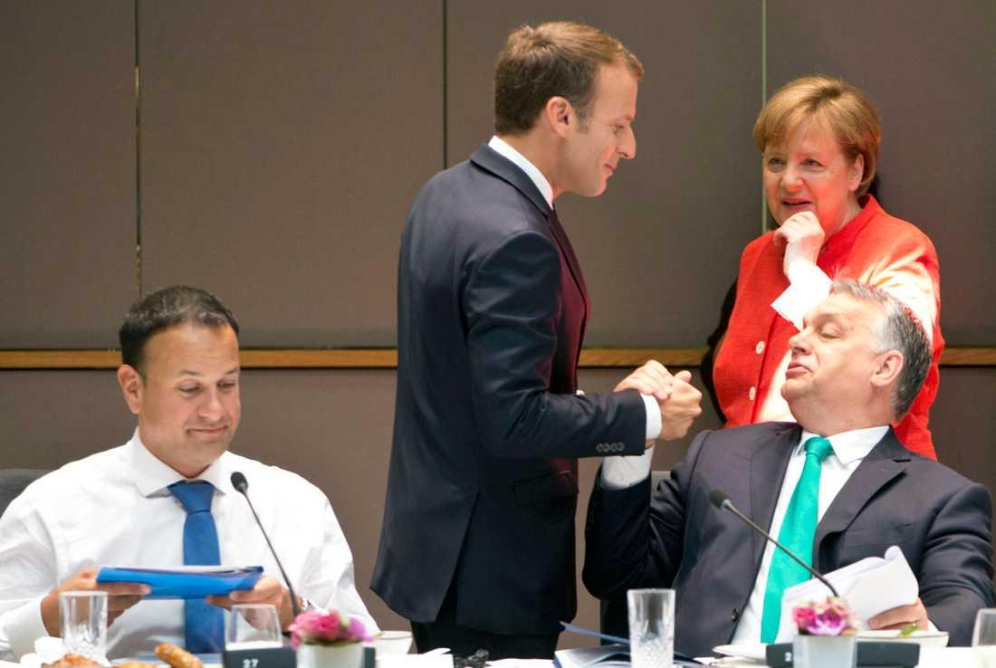 Frankrikes president Emmanuel Macron, Tysklands förbundskansler Angela Merkel och Ungerns premiärminister Viktor Orbán under ett EU-toppmöte i Bryssel. På bilden syns även Irlands premiärminister Leo Varadkar. Arkivbild.