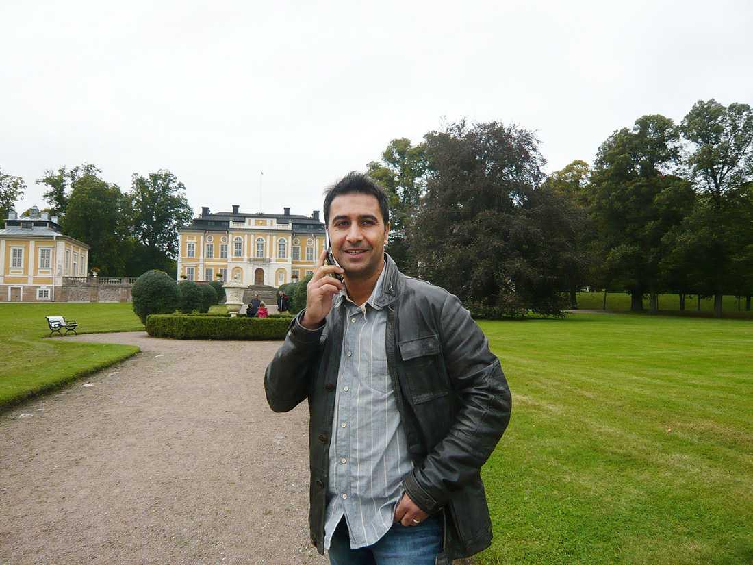 Mohamed Belkaid på utflykt vid Steninge slott.