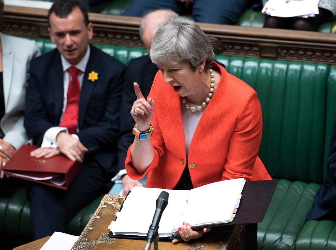 Storbritanniens premiärminister Theresa May behöver övertala många ledamöter i parlamentet för att få igenom sitt utträdelseavtal med EU. Arkivbild.