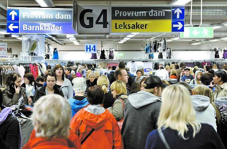 22 500 människor trängdes i varuhuset i lördags – och köpte bland annat 17 000 fryspåsar.