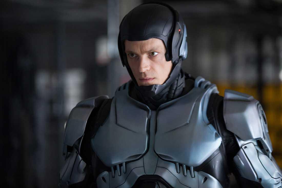 """""""Robocop"""", med Joel Kinnaman i huvudrollen, hör onekligen hemma i blockbuster-genren, men gick inledningsvis relativt trögt på bio i USA."""