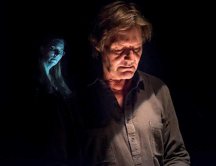 "Johan Rabeaus och Anna Pettersson plockar isär August Strindbergs ""Fadren""."