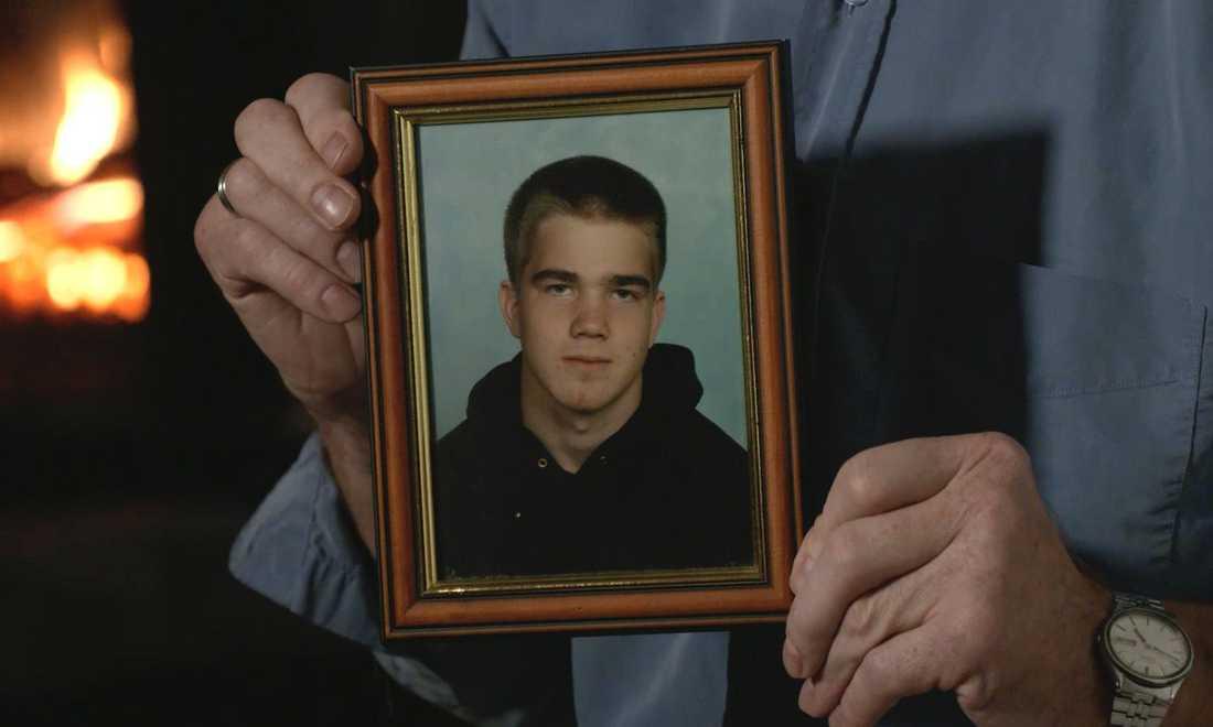 Emil Lustig, 26, dog efter en överdos.