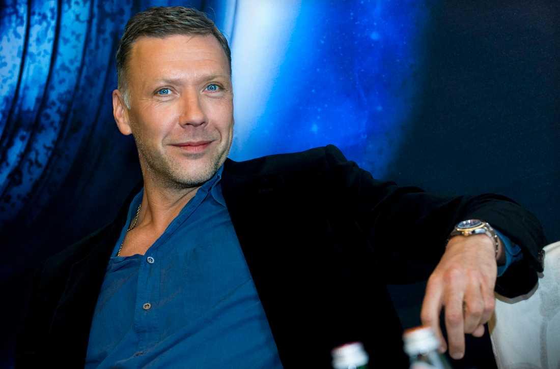 Mikael Persbrandt.