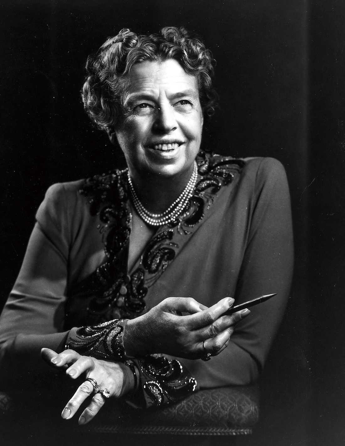 "Eleanor Roosevelt, 1884–1962 hade under 30 år en relation med Lorena ""Hick"" Hickok. Med maken Franklin D. Roosevelt fick hon sex barn."