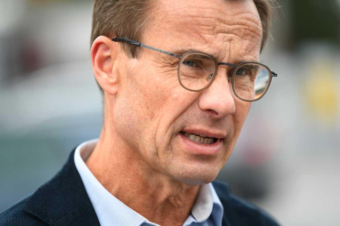 Moderaternas partiledare Ulf Kristersson vill låta polisen få fler, nu sekretessbelagda uppgifter, från myndigheter och kommuner i framtiden.