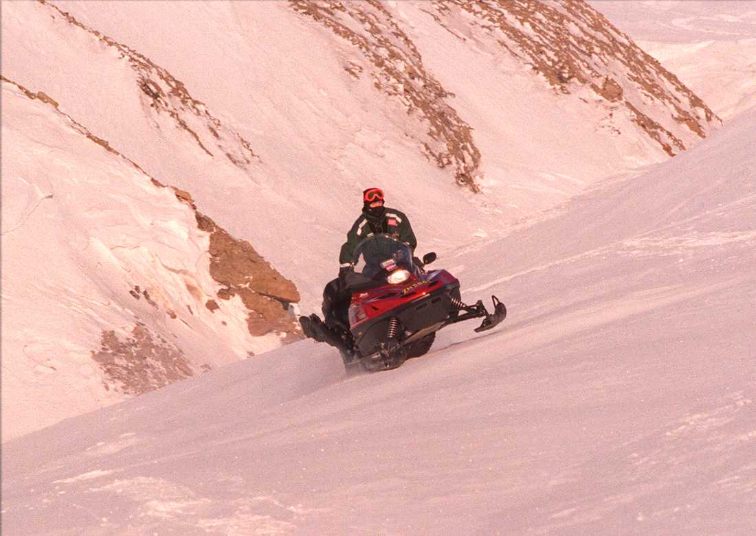 En enkätundersökning från Nationella snöskoterrådet visar att fyra av tio har