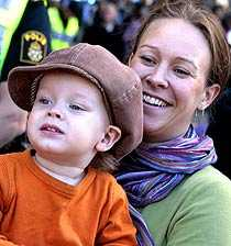För barnens skull Det är just barnen som gör att planeten blir värd att rädda, säger Maria Wetterstrand.