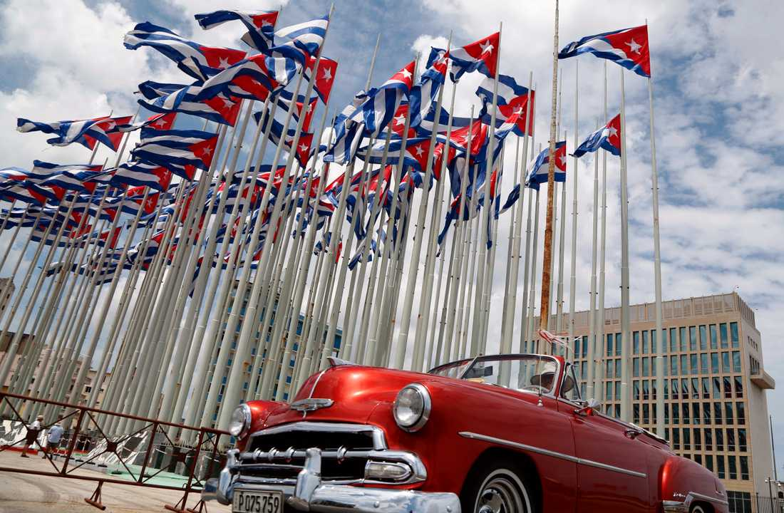 Även de klassiska amerikanarna i Havanna kan bli stillastående i oljebristen. Arkivbild.