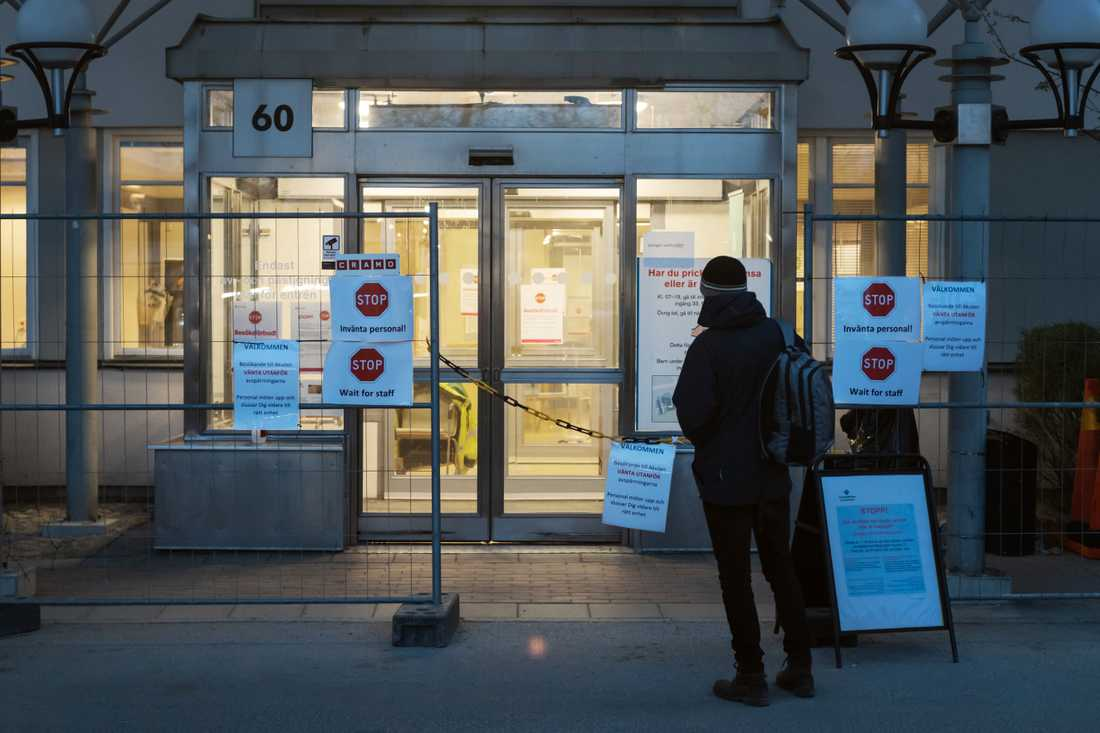 Akutmottagningen vid Akademiska Sjukhuset i Uppsala gjordes om till entré för personer med misstänkt covid-19  under våren.