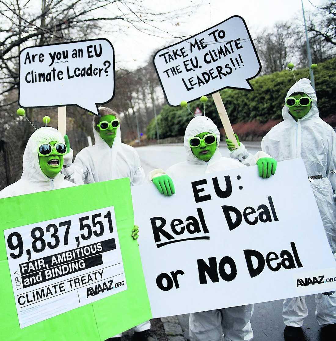 grön protest Klimatdemonstranter protesterar i Köpenhamn. David Jonstad efterlyser ett globalt avtal som utgår från nollutsläpp av växthusgaser inom ett par decennier. Till syvende och sist handlar det om att lägga om livsstil.