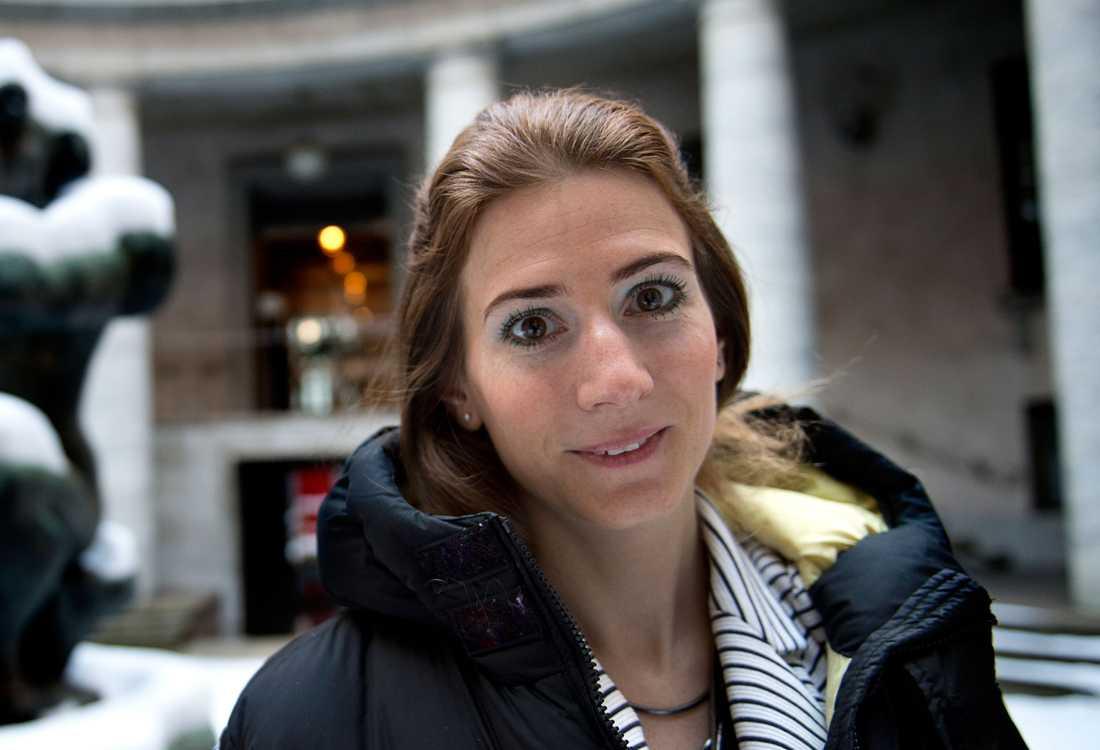 Caroline Szyber (KD) tycker att värnskatten borde slopas.