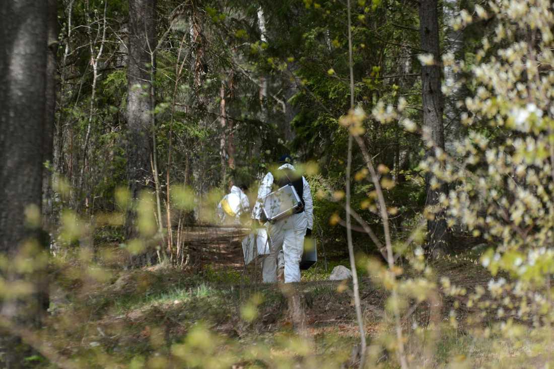 En ung kvinna har hittats död i Märsta