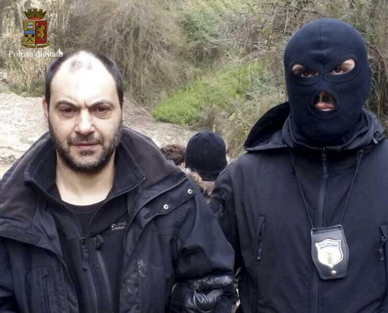 Giuseppe Ferarro, 47, avtjänade ett livstidsstraff för mord när han rymde för 18 år sedan.