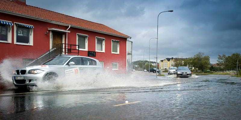 Gatorna översvämmades i Uddevalla.