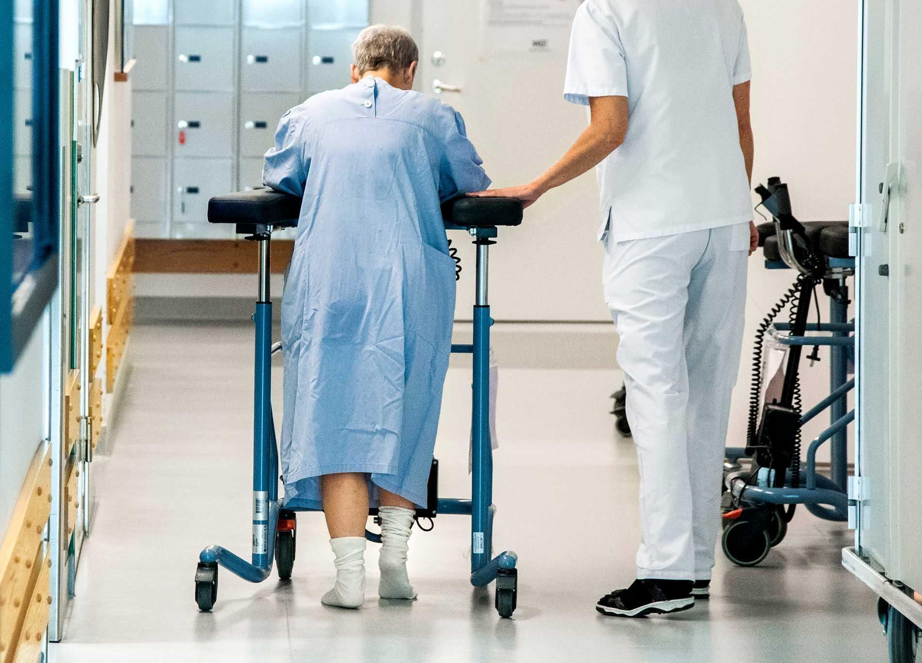 Privata vårdbolag kräver regeringen på besked