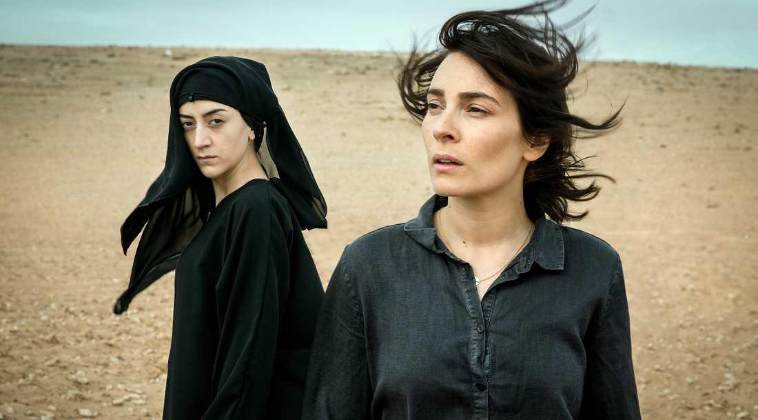 Pervin (Gizem Erdogan) och Fatima (Aliette Opheim).