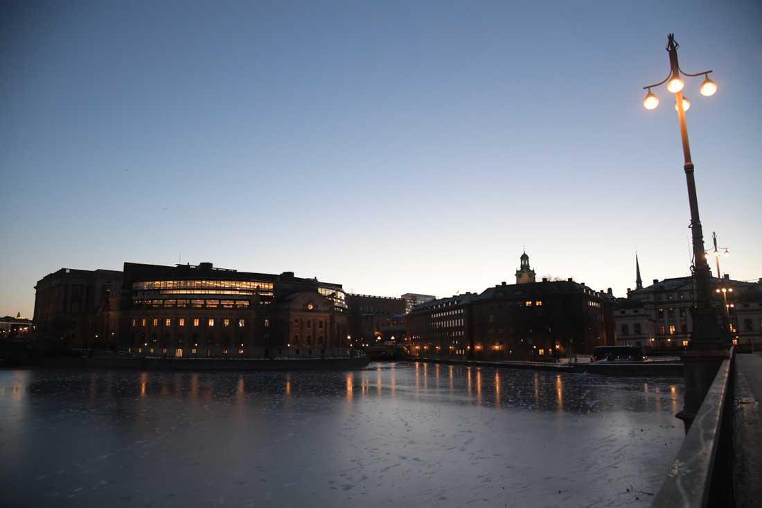 Klockan 09 idag röstar riksdagen om Stefan Löfven som statsminister.