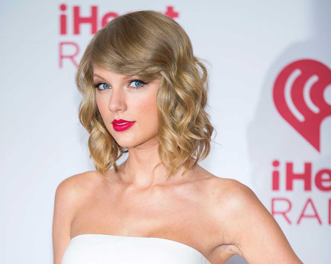 Taylor Swift tog i veckan bort alla sina låtar från Spotify, eftersom att hon inte anser att tjänsten kompenserar människorna bakom musiken på rätt sätt.