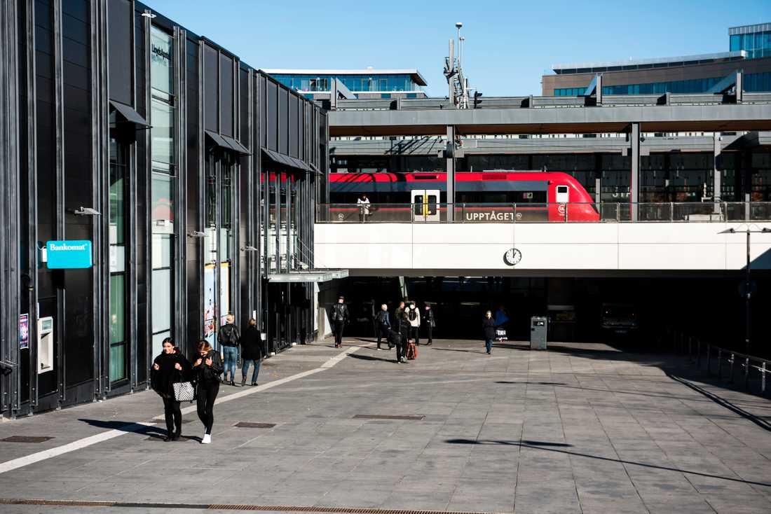En pakistansk journalist som har asyl i Sverige försvann efter att ha tagit tåget från Stockholm till Uppsala den 2 mars. Åklagarmyndighetens riksenhet för internationell brottslighet utreder nu ett försvinnande i Uppsala den 2 mars. Arkivbild.