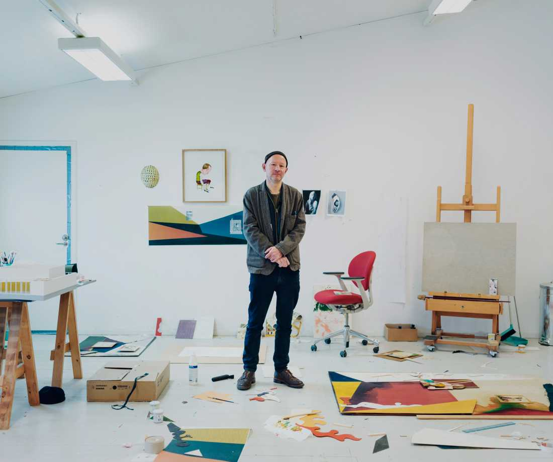 Jens Fänge, fotograferad i sin ateljé.