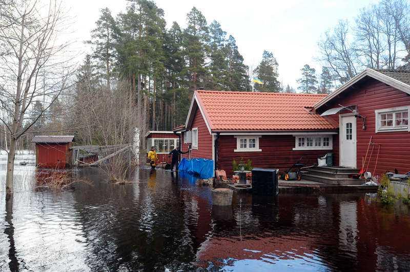 Vattennivån tros stiga, enligt räddningstjänsten.