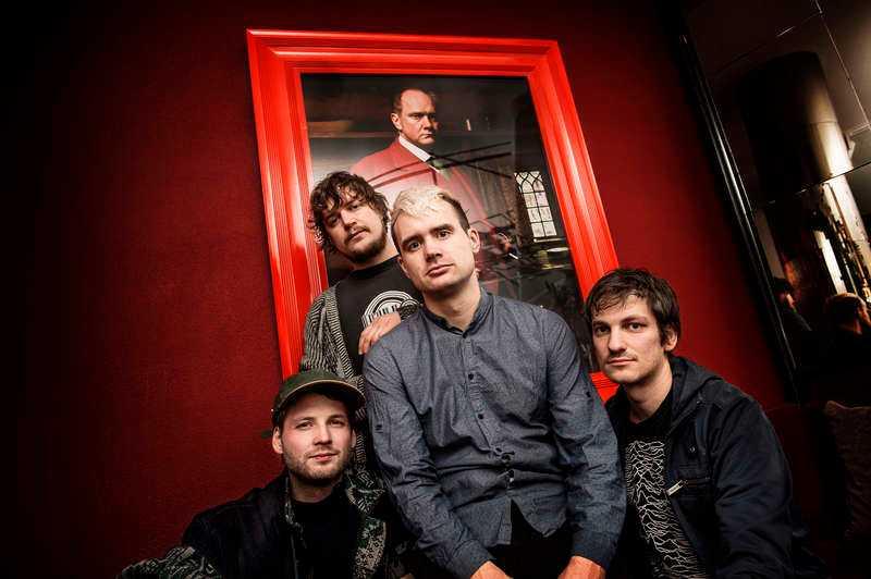 """Winhill/Losehill har fått sitt namn efter bergen i England med samma namn. Den 4 februari släpps bandets nya skiva """"Trouble with snowball""""."""