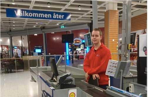 Henrik W Pettersson har tröttnat på kundernas attityd i affären.