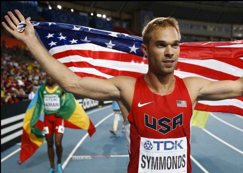 Nick Symmonds ägnade sin sin silvermedalj på 800 meter åt homosexuella vänner.
