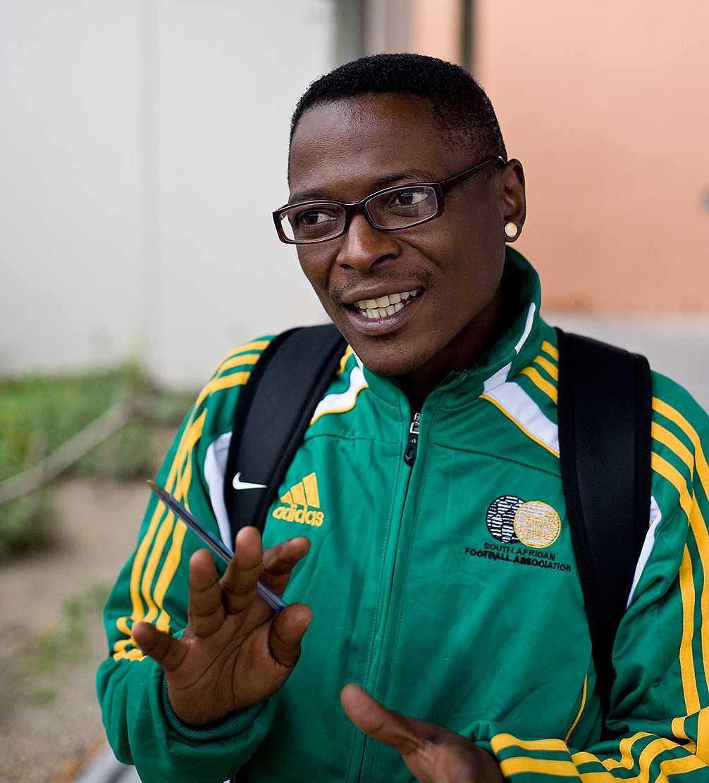 Andile Madondile bor i slumområdet Khayelitsha. Han är hivpositiv sedan många år tillbaka och arbetar nu för att sprida kunskap om sjukdomen.