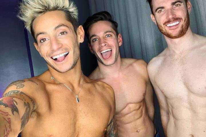Frankie Grande med pojkvännerna Mike Pophis och Daniel Sinasohn.