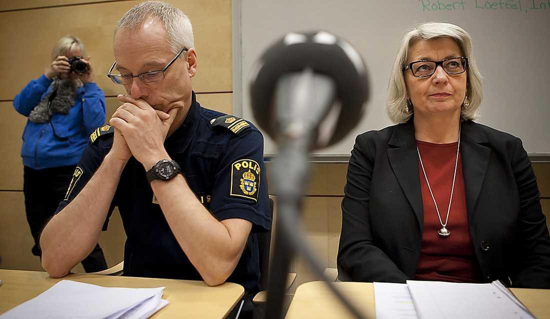 Polisen höll presskonferens efter 10-åringens erkännande.